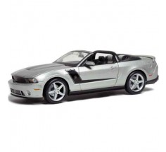 Автомобиль 2010 Roush 427 Ford Mustang Convertible серебристый, Maisto (31669 silver)